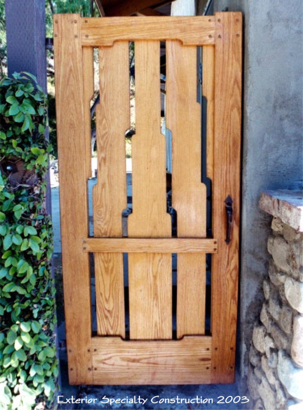 Craftsman Oak Gate with Raised Clouds